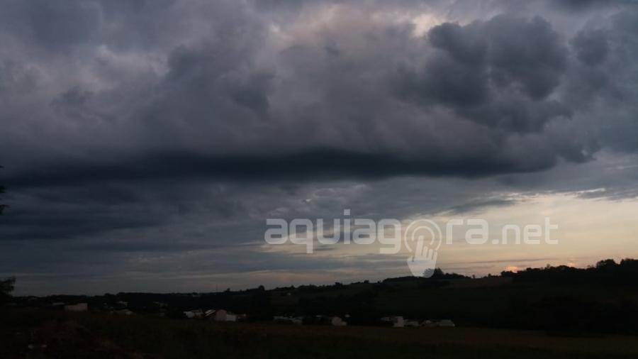 Ciclone bomba atinge o Paraná: fortes temporais e rajadas de vento são previstos – Aquiagora.net